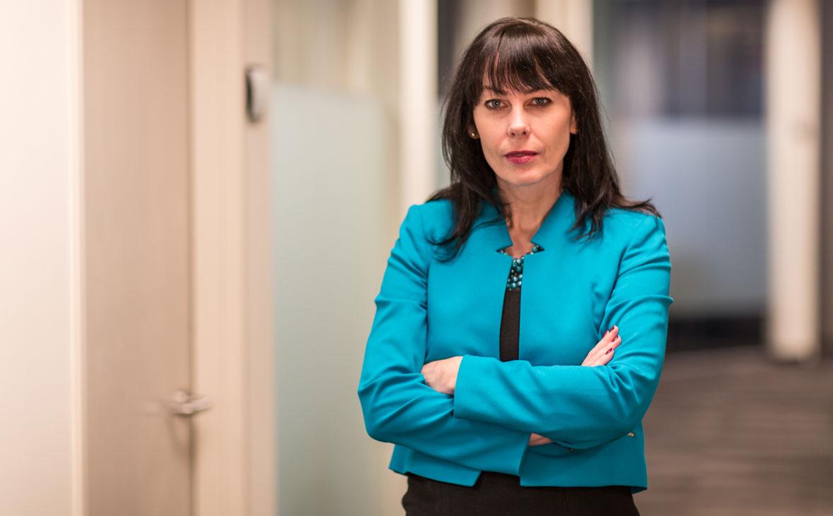 Kathleen Loucks, Lommen Abdo Law Firm
